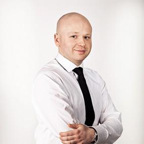 Tomasz Brzozowski- (Polski) aplikant radcowski